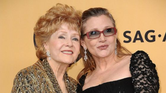 GTY_debbie_reynolds_carrie_fisher_ml_160518_16x9_992.jpg