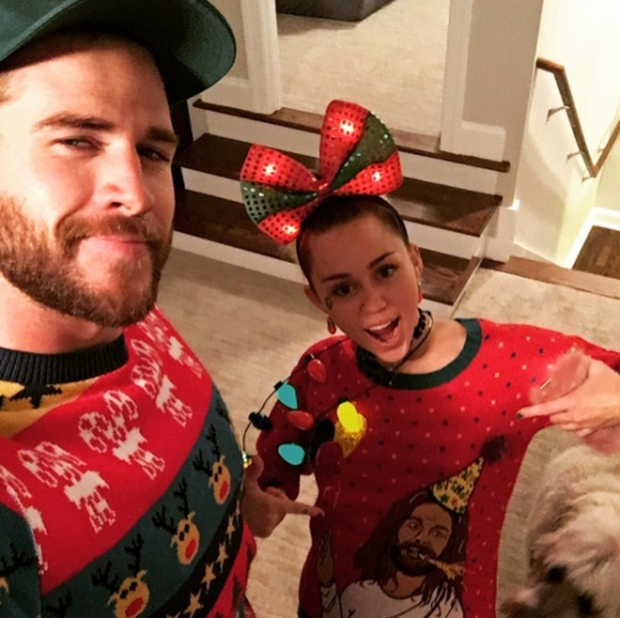 miley-cyrus-liam-hemsworth-celebrity-christmas-2016-pics-3